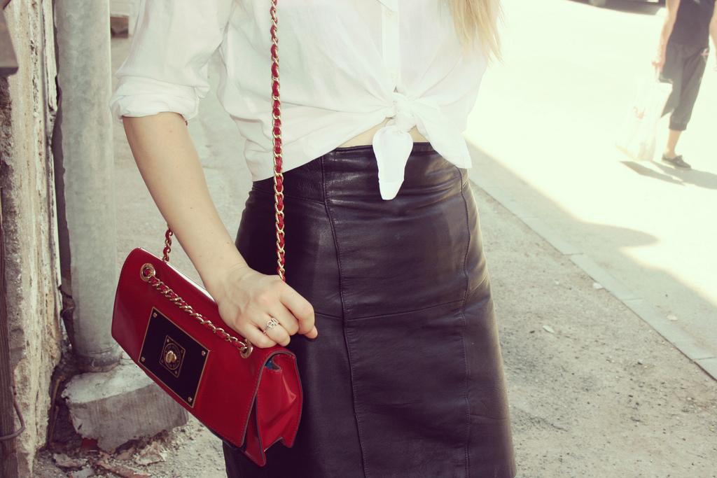 alina tanasa wearing moschino bag