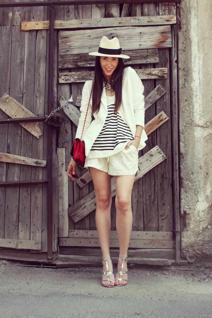 diana enciu wearing summer outfit and moschino