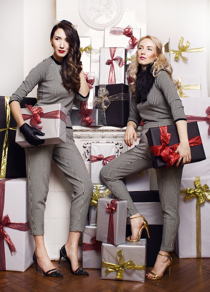 http://fabulousmuses.net/2013/12/5-outfits-for-your-wish-list/
