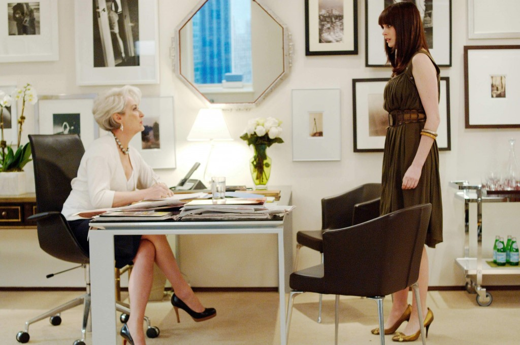 9Meryl-Streep-and-Emily-Blunt-in-20th-Century-Foxs-The-Devil-Wears-Prada movie_fashion movie_fabulous muses