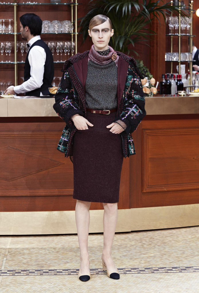 CHANEL_Fall-Winter_2015-2016 Ready-to-Wear_collection_fabulous_muses_2015 trends_chanel_brasserie (5)