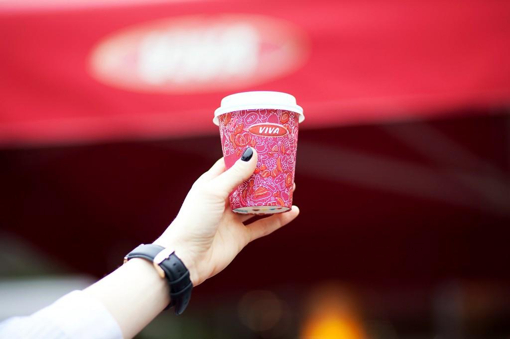 diana dumitrescu la cafea cu fabulous muses_alina tanasa_diana enciu_viva coffee_cafea viva (1)