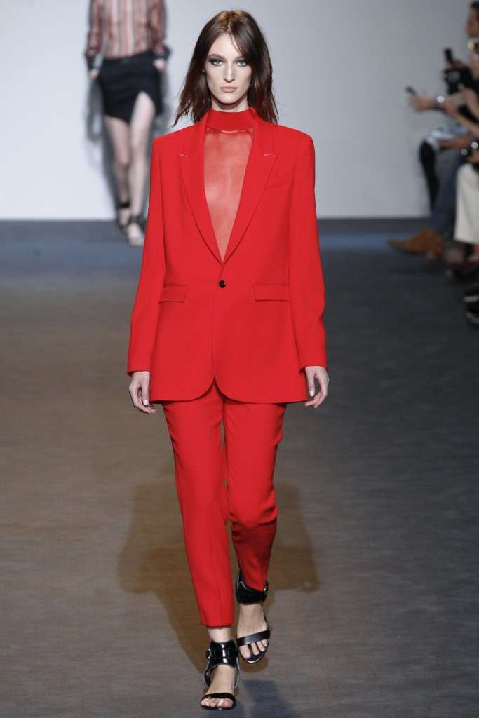 Costume national ss 2016 - ss 2016 trends-red suits