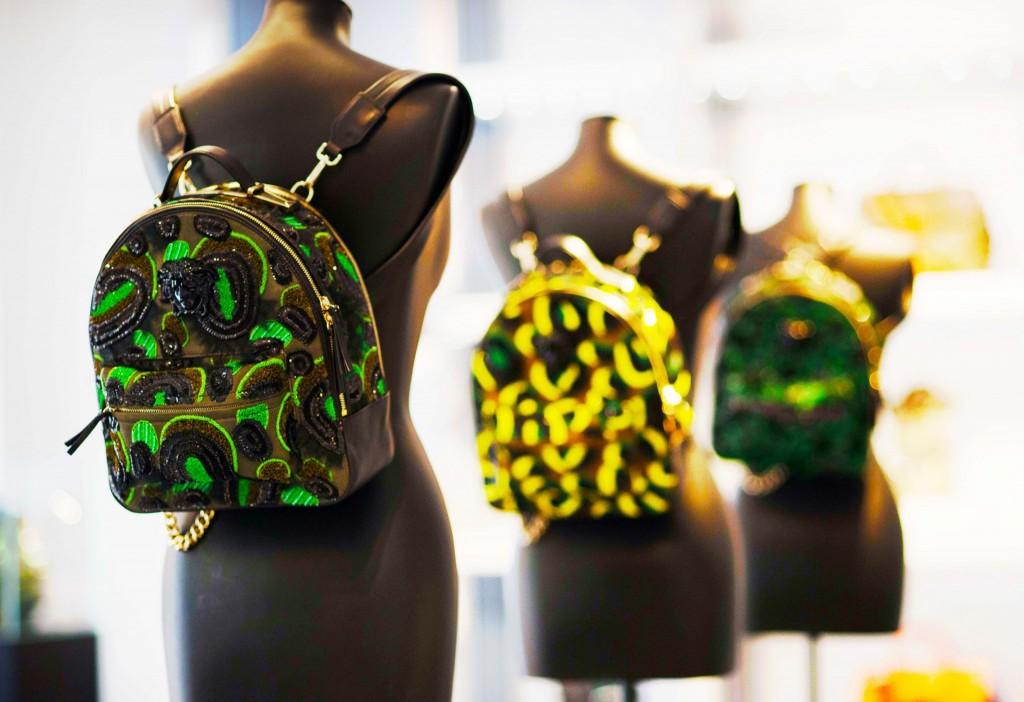 mfw ss 2016- fabulous muses-fabuloasele-milan street style- versace bag
