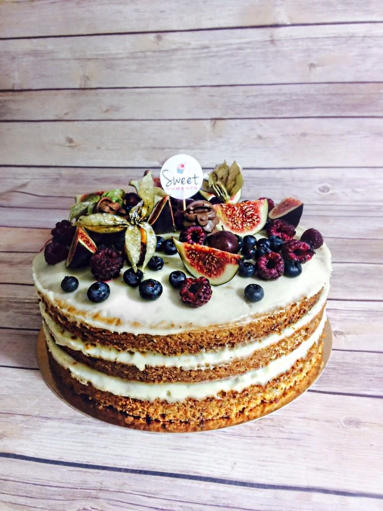 Fabulous-Muses-Fabuloasele-Diana-Enciu-Alina-Tanasa-Birthday-Party -Pool-Party- Reyna-Events-birthday cake-carrot cake