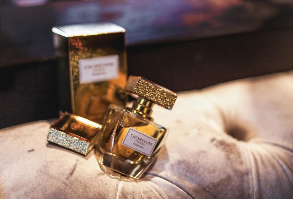 10Giordani Gold Essenza-Parfum Oriflame-Fabulous Muses-Aqua-Diana Enciu-Alina Tanasa
