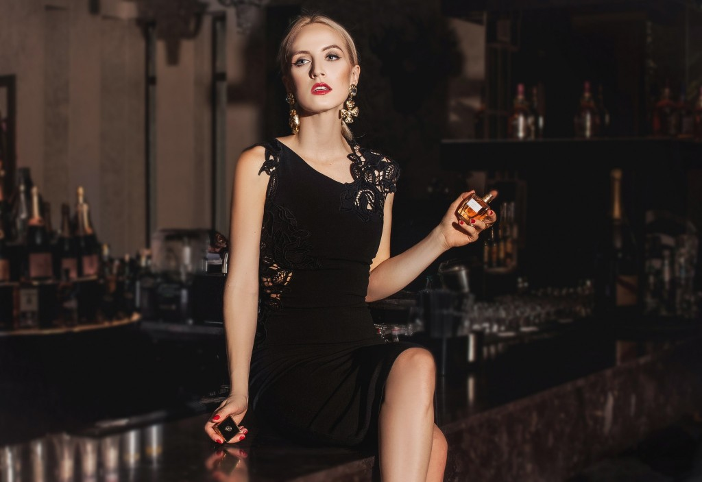 7Giordani Gold Essenza-Parfum Oriflame-Fabulous Muses-Aqua-Diana Enciu-Alina Tanasa