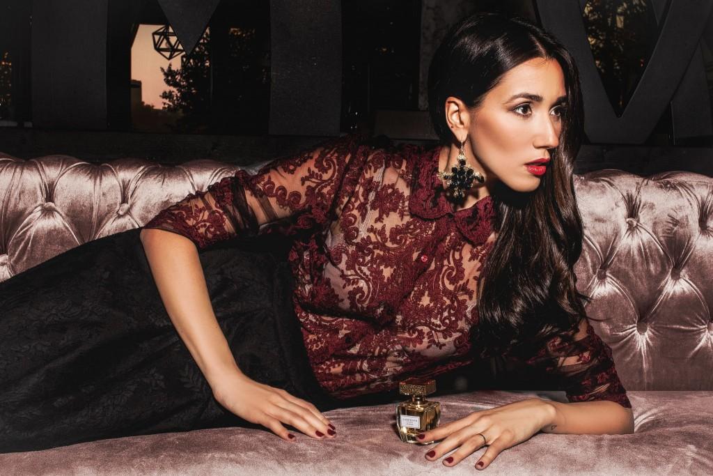 8Giordani Gold Essenza-Parfum Oriflame-Fabulous Muses-Aqua-Diana Enciu-Alina Tanasa