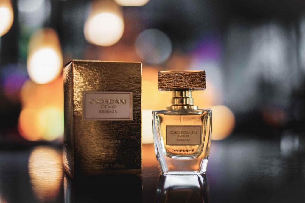 9Giordani Gold Essenza-Parfum Oriflame-Fabulous Muses-Aqua-Diana Enciu-Alina Tanasa