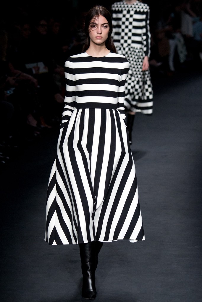 valentino-fall-winter-2015-2016-stripe-trend-winter-best-trends- stripes-dress-fabulous-muses
