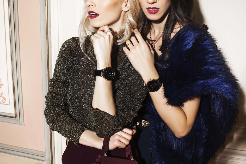 2lamultiani_romania_fabulous_muses_1decembrie_vector_watch_smart_watch_vector_orange_watch