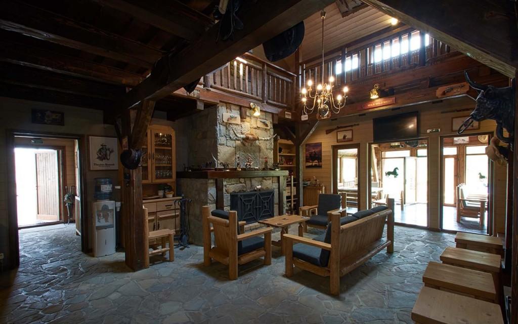 Maggie's Ranch - Rasnov-destinatii-iarna-vacanta-revelion-solar-travel