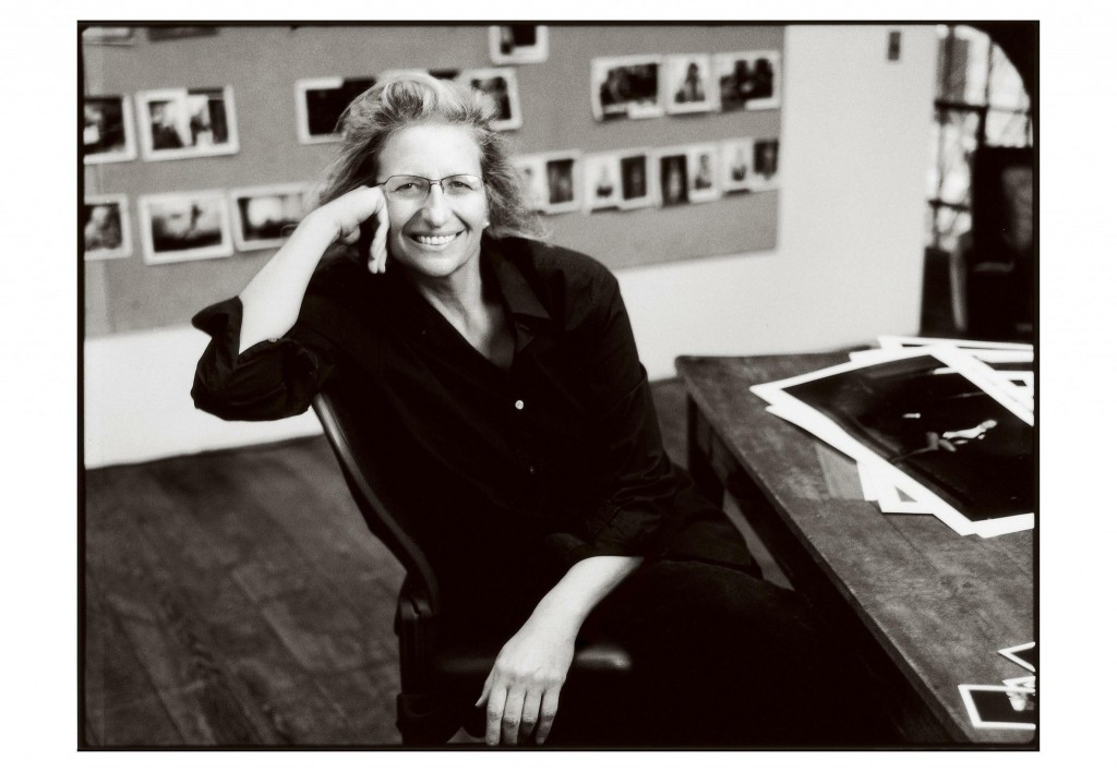 05-annie-leibovitz-fashion-icon-best-fashion-icon-fabulous-muses-diana-enciu-alina-tanasa