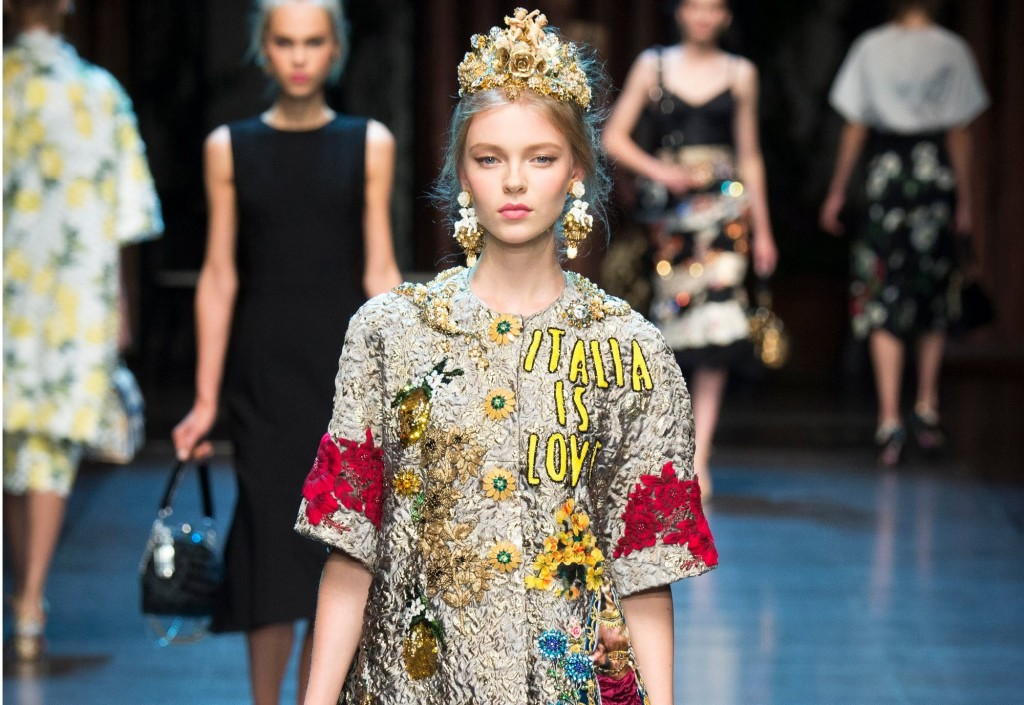 2Sprin-summer-2016-top-5-spring-trends-fabulous-muses-gucci-dolce-gabbana-saint-laurent-spring-trends