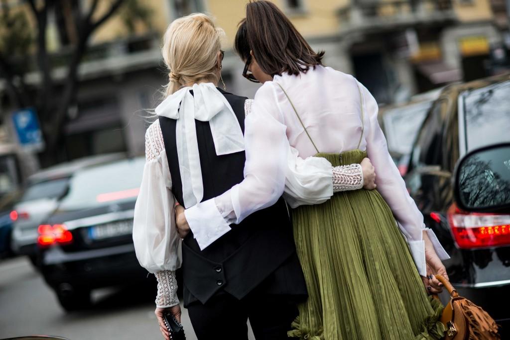 Fabulous_Muses_Alina_Tanasa_Diana_Enciu_Milan_Fashion_Week_Streetstyle_-11