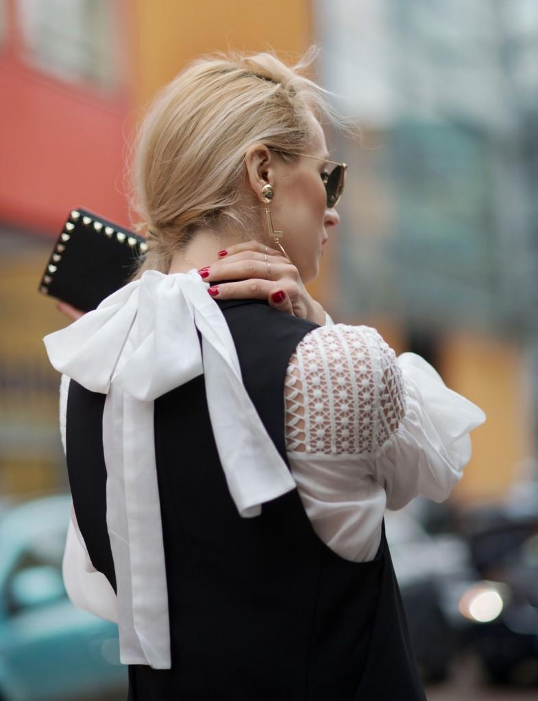 Fabulous_Muses_Alina_Tanasa_Diana_Enciu_Milan_Fashion_Week_Streetstyle_-13