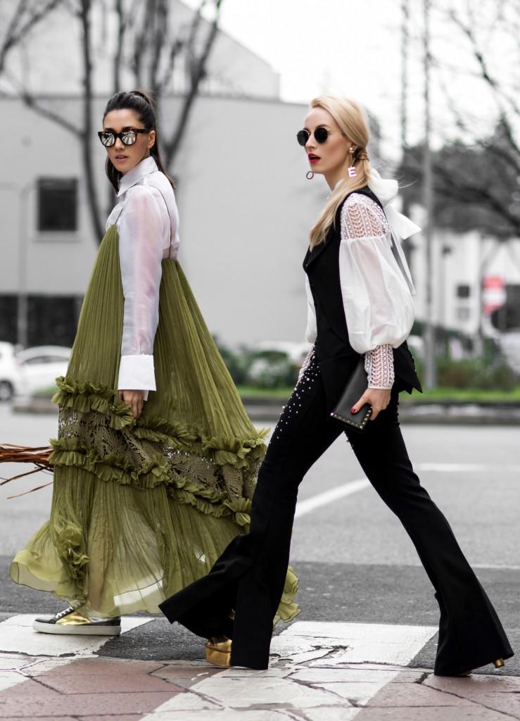 Fabulous_Muses_Alina_Tanasa_Diana_Enciu_Milan_Fashion_Week_Streetstyle_-4
