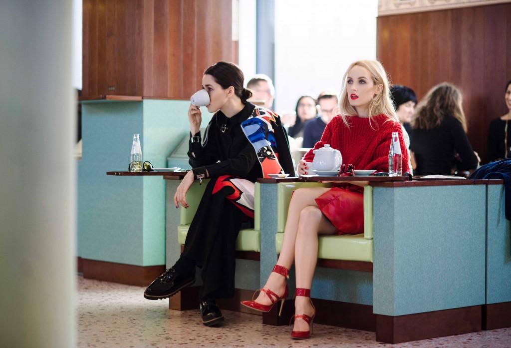 Fabulous_Muses_Alina_Tanasa_Diana_Enciu_Milan_Fashion_Week_Streetstyle_-6