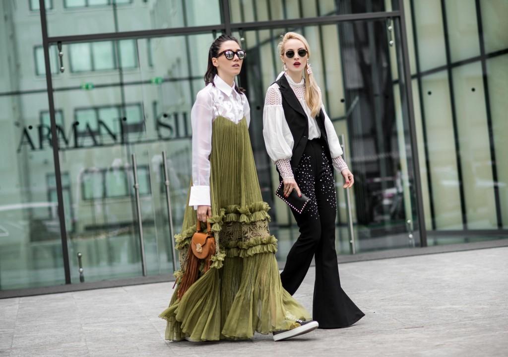 Fabulous_Muses_Alina_Tanasa_Diana_Enciu_Milan_Fashion_Week_Streetstyle_-8