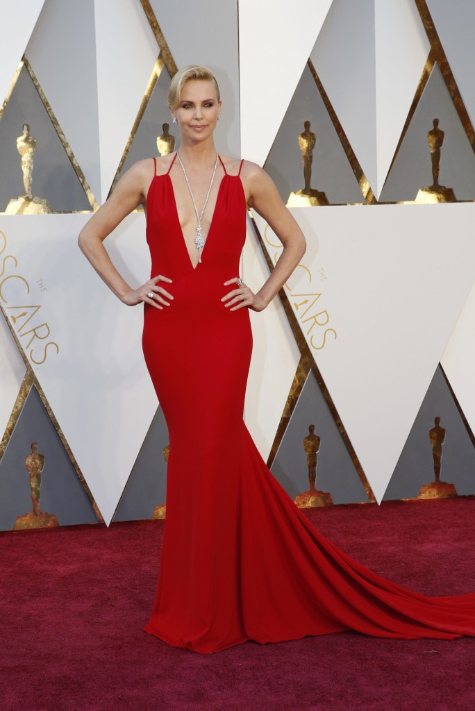 1charlize-theronr- oscar-best-dressed-best-oscar-dress-fabulous-muses