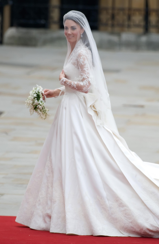 top 10 iconic wedding dresses fabulous muses. Black Bedroom Furniture Sets. Home Design Ideas
