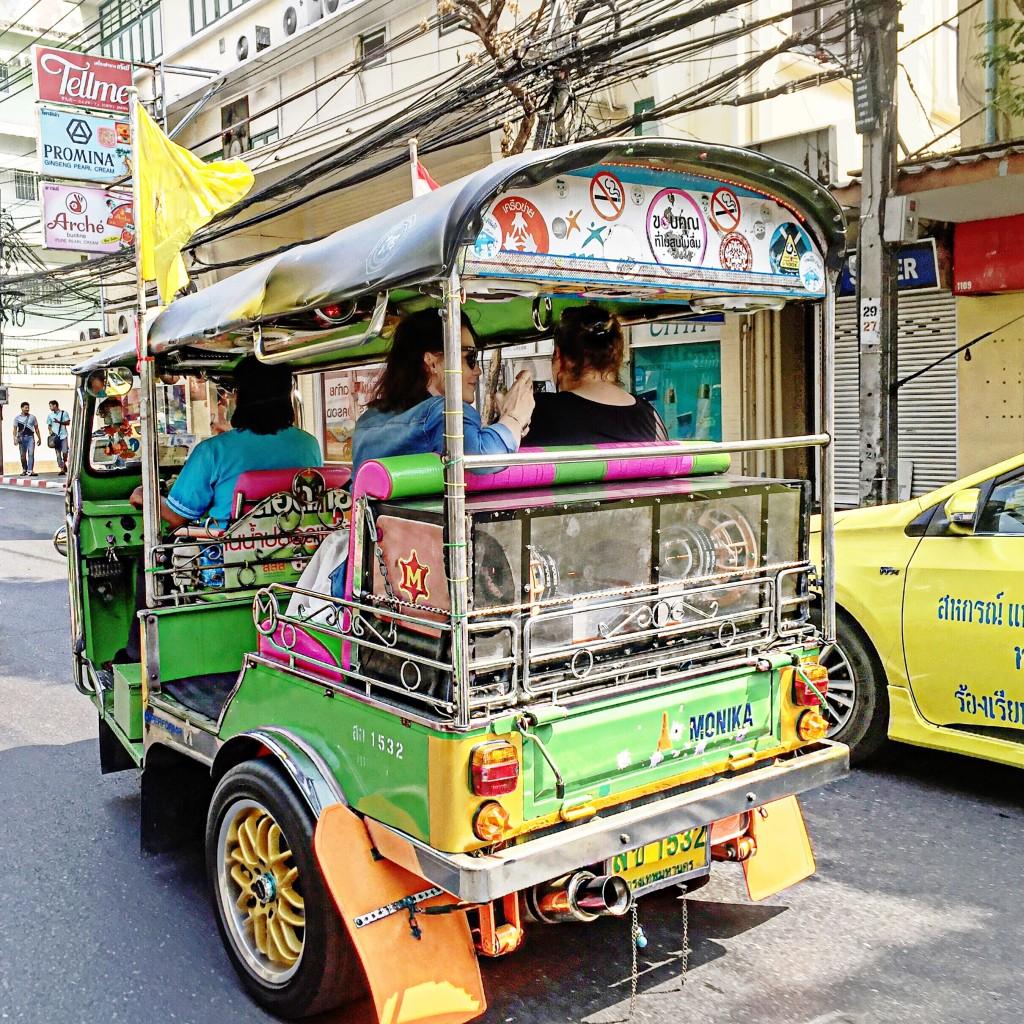 11pandora_trip_fabulous_muses_diana_enciu_alina_tanasa_visit_bangkok