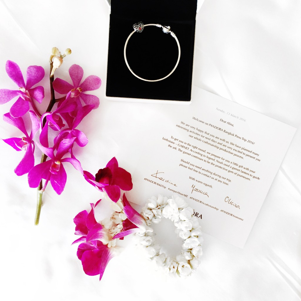 1pandora_jewelry_visit_bangkik_fabulous_muses_alina_tanasa_diana_enciu
