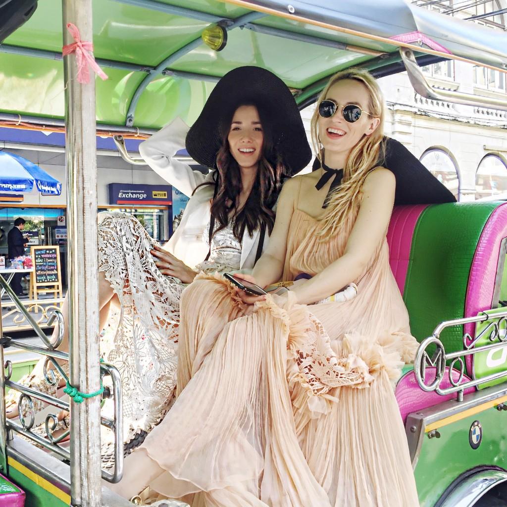 5pandora_trip_fabulous_muses_diana_enciu_alina_tanasa_visit_bangkok