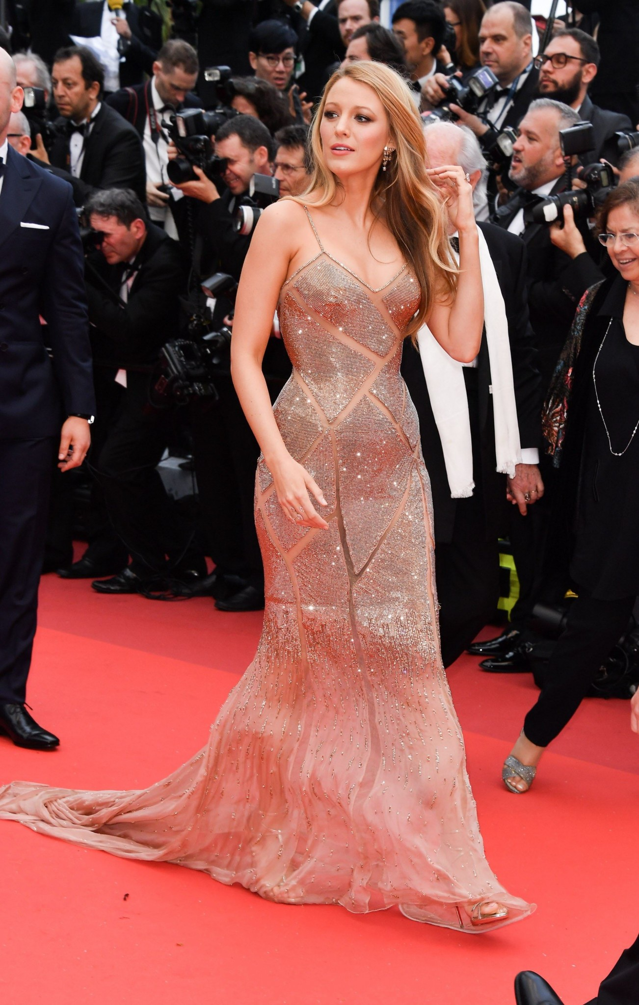 blake-lively-in-atelier-versace-best-dressed-cannes-2016