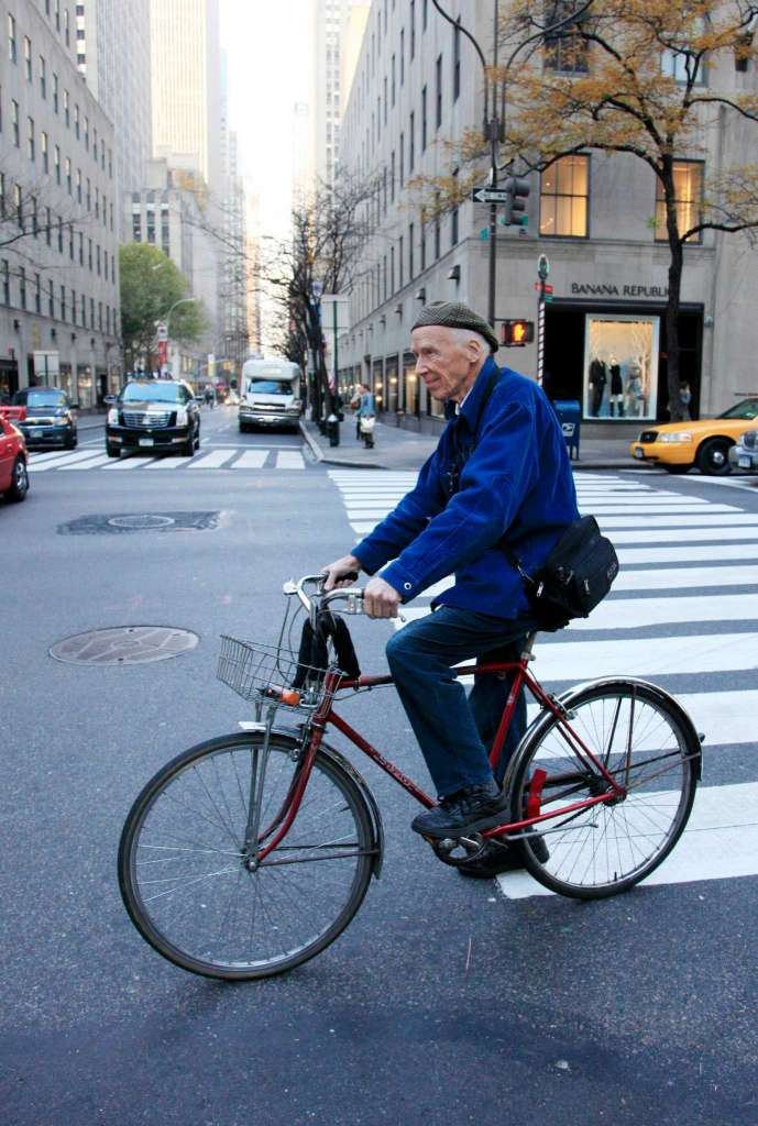 4bill_cunningham_best_streetstyle_photographer_new_york_times_fashion_fabulous_muses