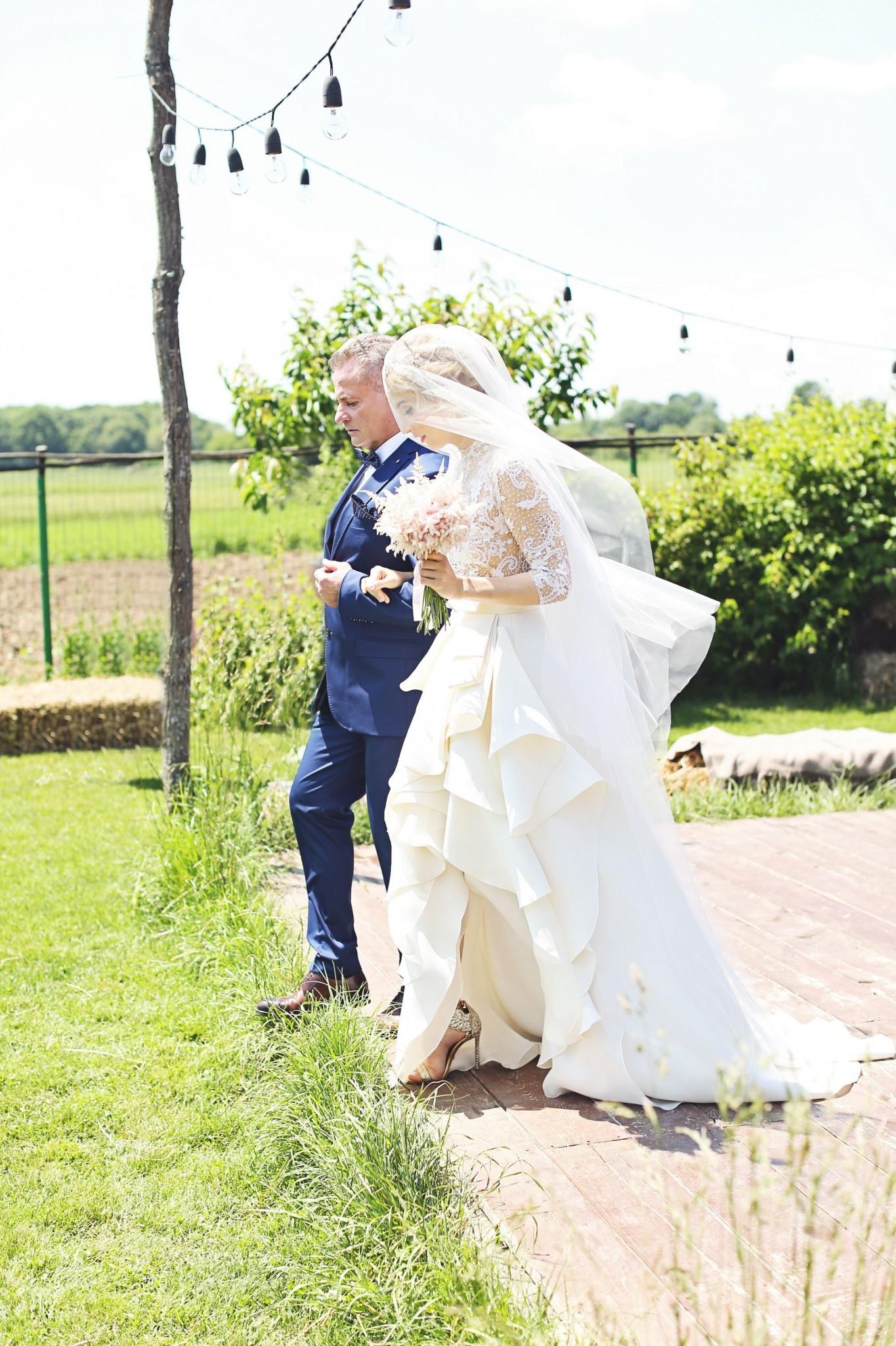 6Fabuloasasemarita_alina_tanasa_diana_enciu_fabulous_muses_blogger_wedding_famous wedding_nunta2016