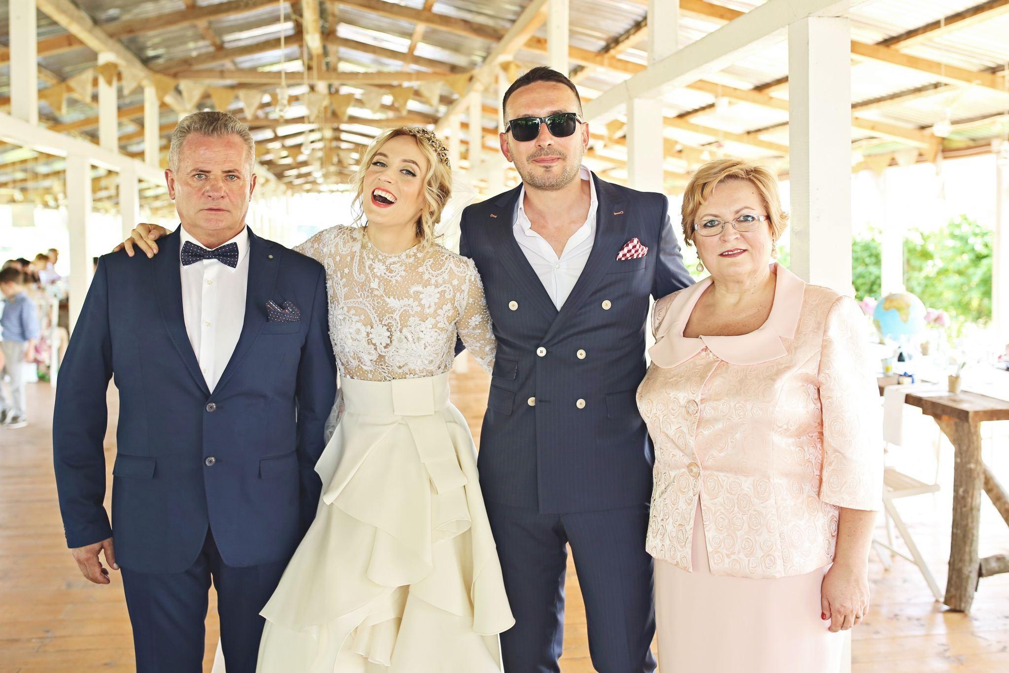 9Fabuloasasemarita_alina_tanasa_diana_enciu_fabulous_muses_blogger_wedding_famous wedding_nunta2016