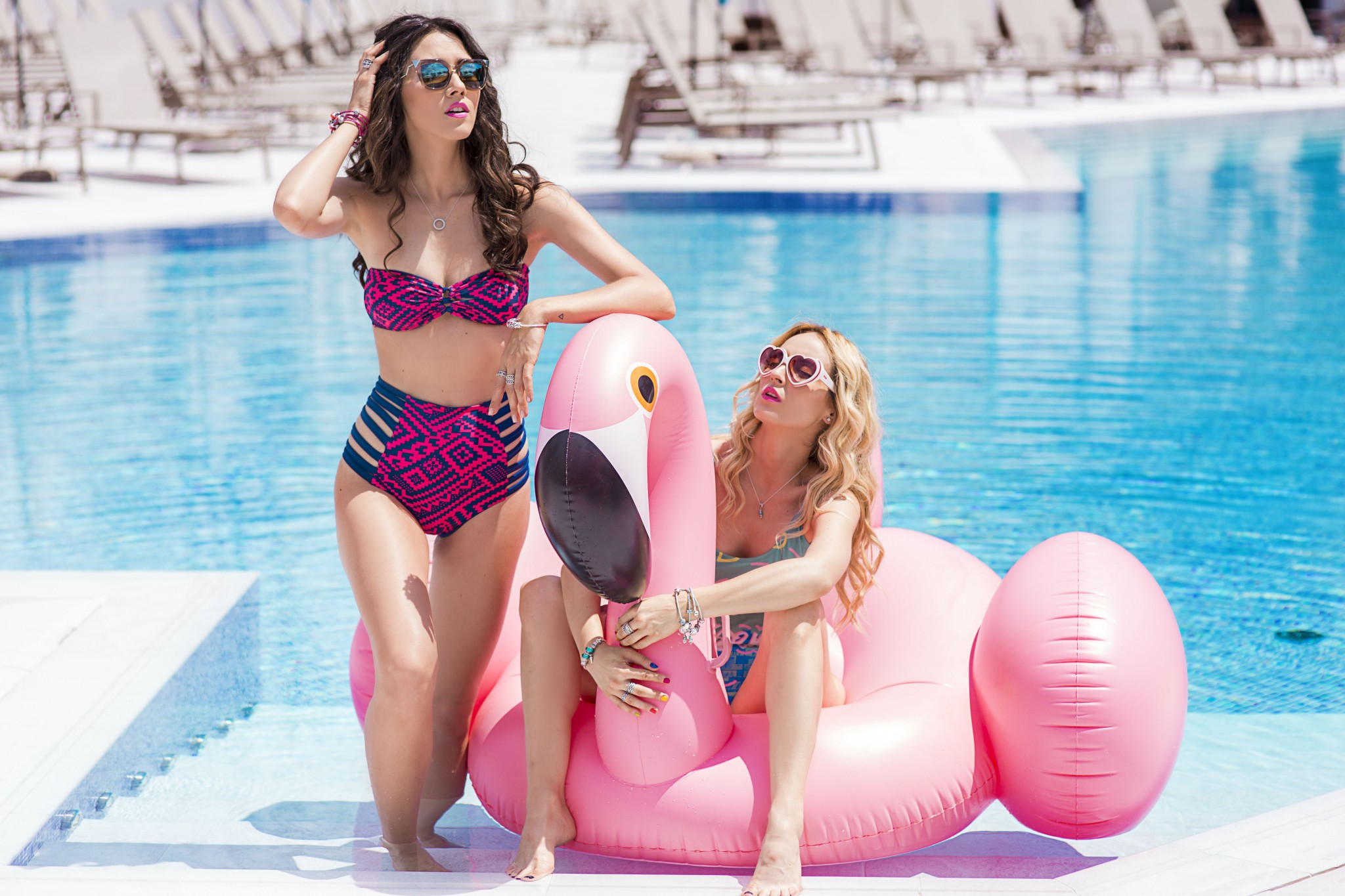 0fabulous_muses_pandora_summer2016_collection_youniverse_piscina