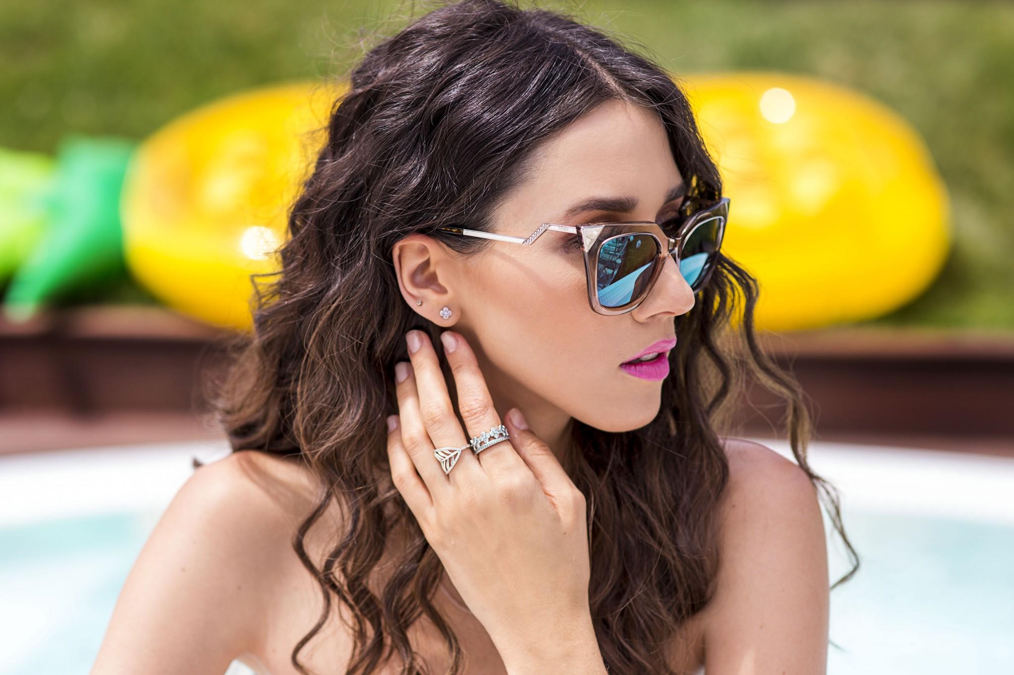 12fabulous_muses_pandora_summer2016_collection_youniverse_piscina