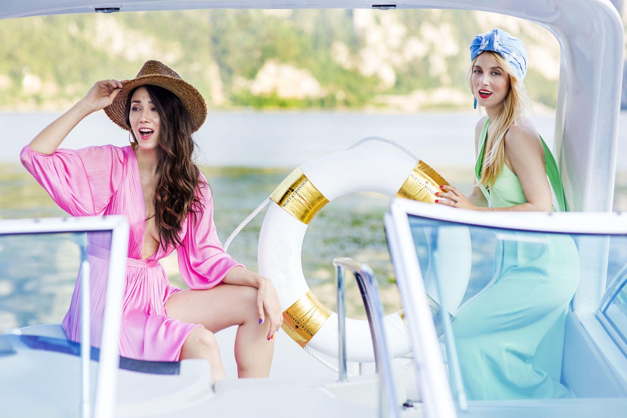 2Romanian_Holiday_Fabulous_Muses_Czanele_Dunarii_La_Vella