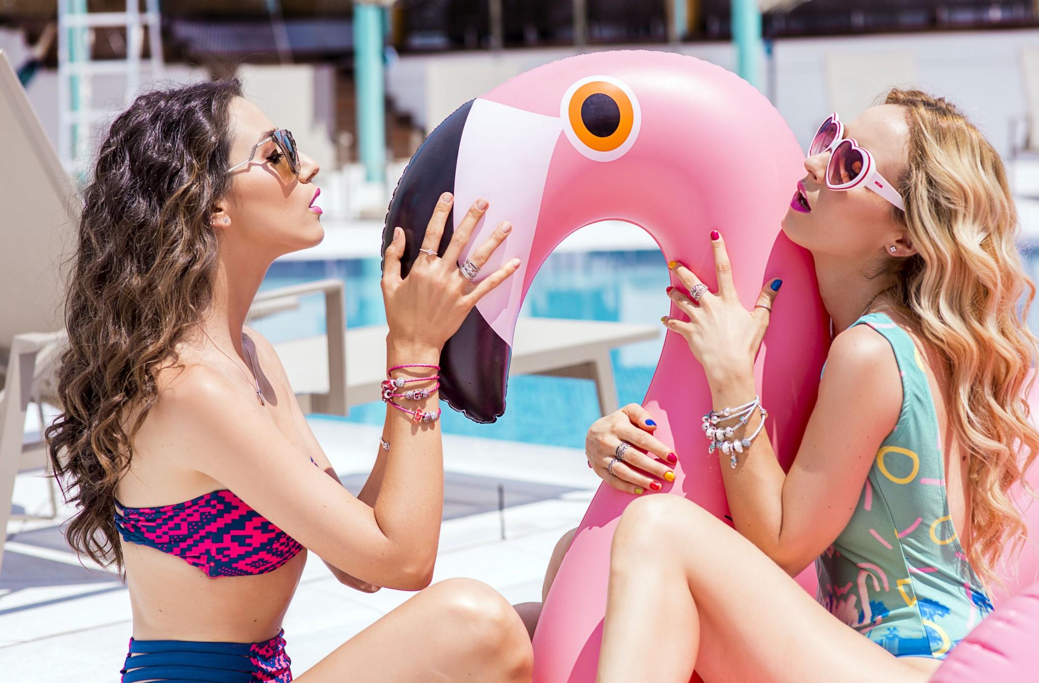 2fabulous_muses_pandora_summer2016_collection_youniverse_piscina
