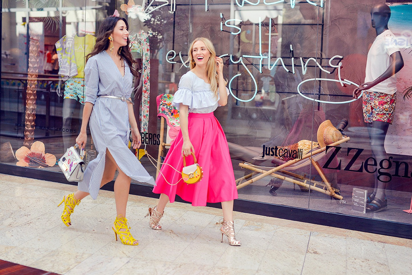 3Baneasa_Shopping_City_Summer_Outfits_Fabulous_Muses_Diana_enciu_alina_tanasa