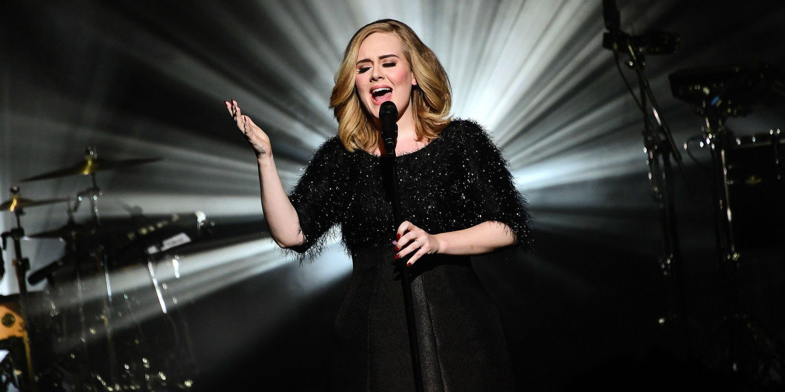 adele_live_concert2016_fabulous_muses