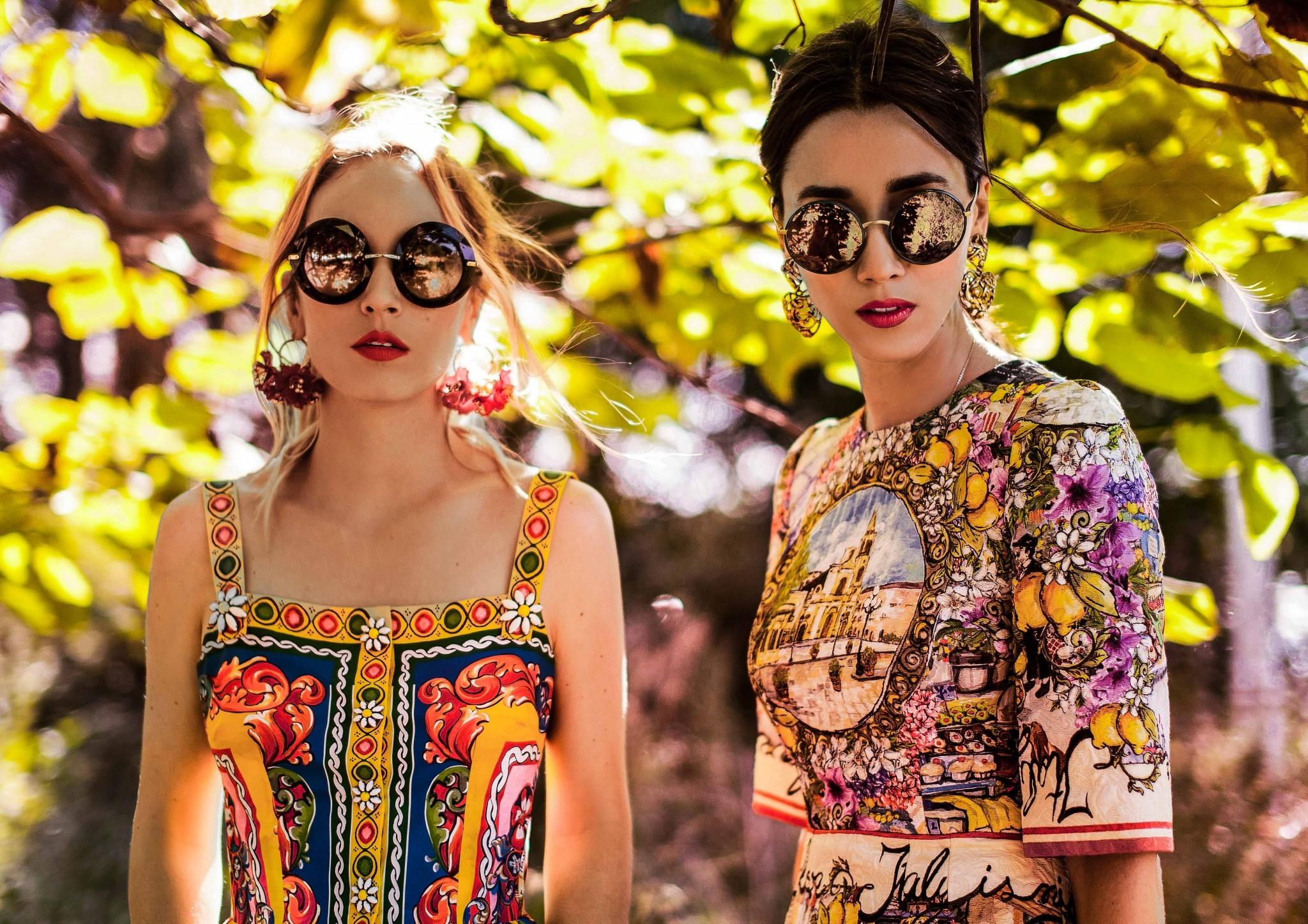 2dolce_gabbana_eyeglasses_fabulous_muses_diana_enciu_alina_tanasa