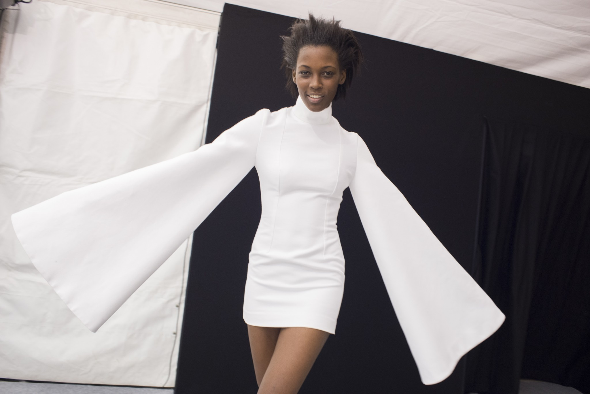 fabulous_muses_extra_long_sleeves_jacquemus_fw2016