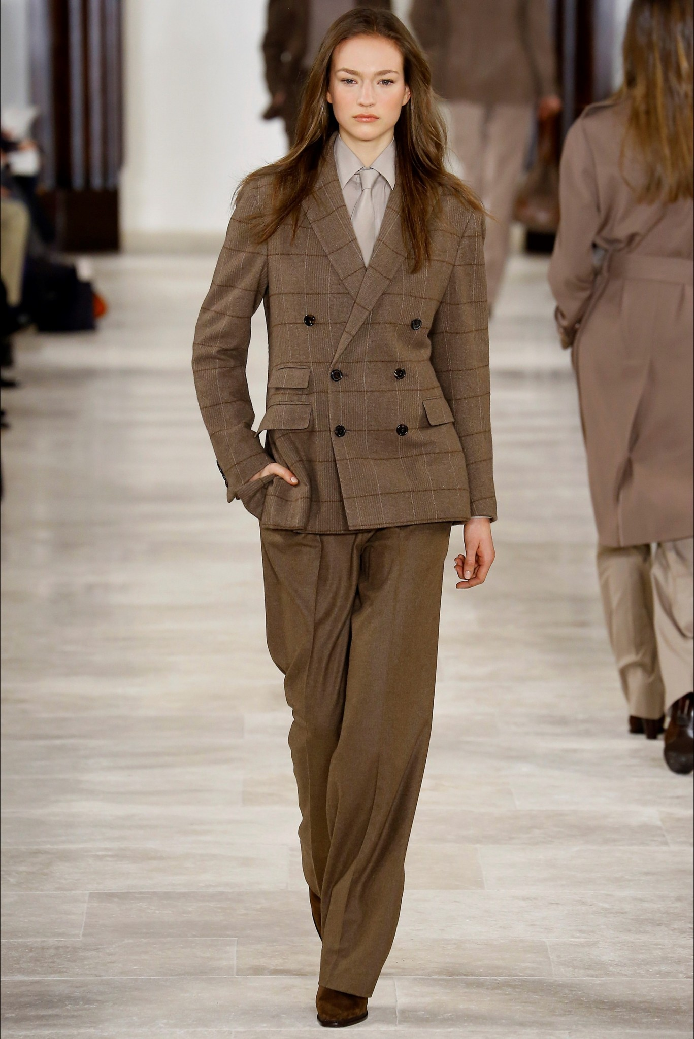 fabulous_muses_suits-ralph-lauren_fall_winter-2016