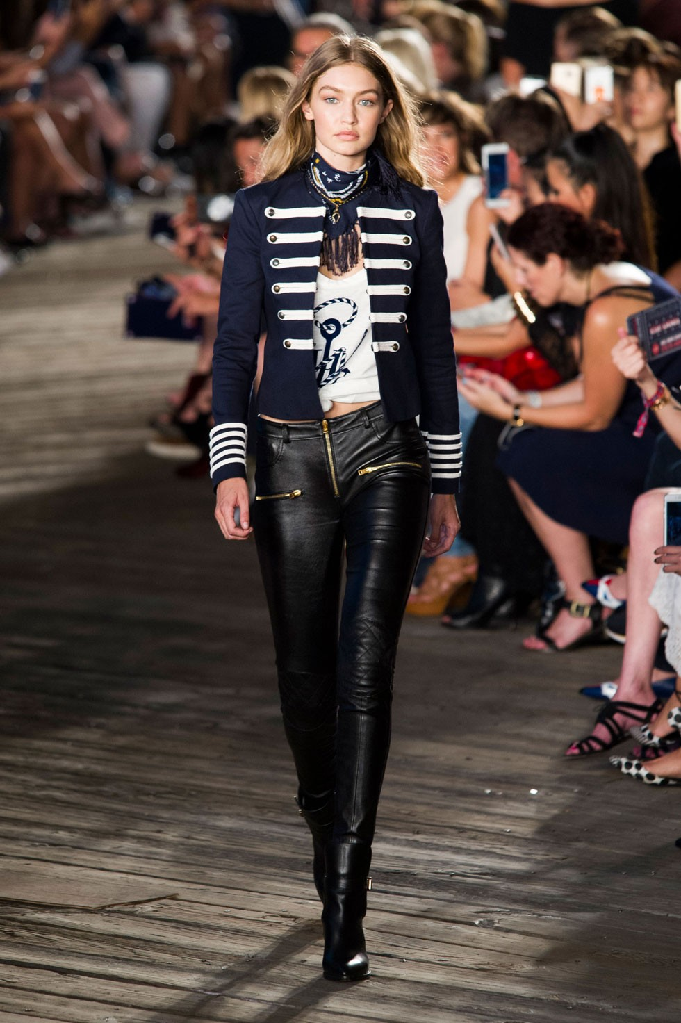 tommy_hilfiger__ss_2017_best_nyfw_collections_fabulous_muses3