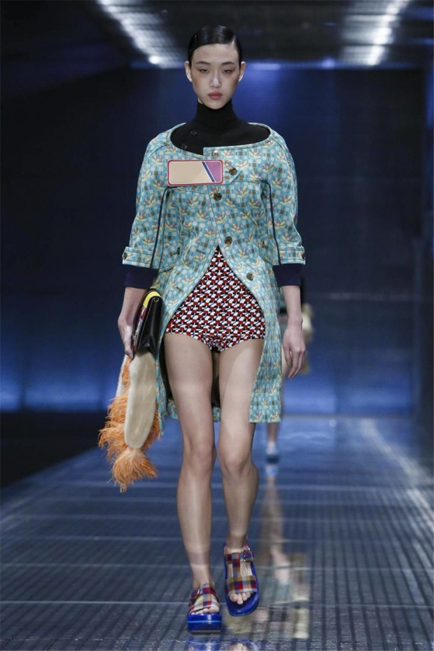 prada_ss_2017_best_nyfw_collections_fabulous_muses2
