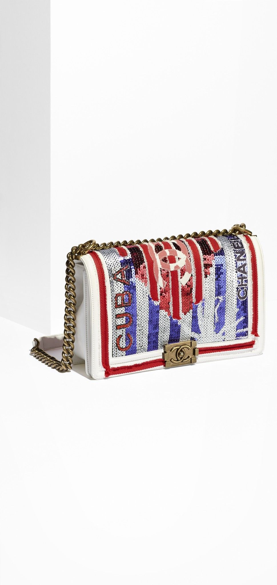 08_white-embroidered-leather-boy-chanel-bag-a92193-y61182-c7365_1_ld
