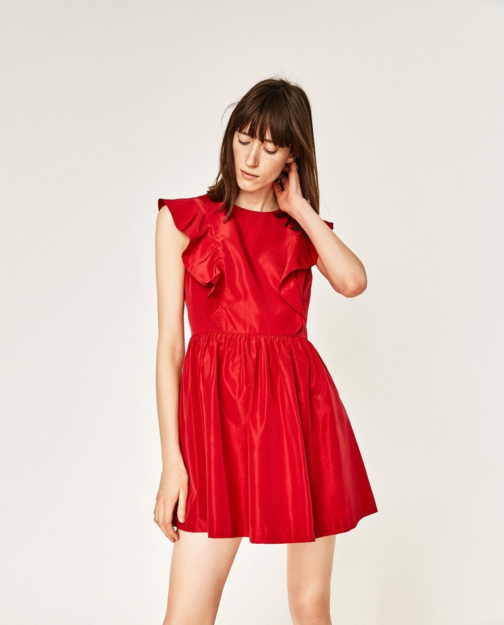 19-rochie-cu-volanase-zara-20-de-idei-de-rochii-pentru-craciun-fabulous-muses