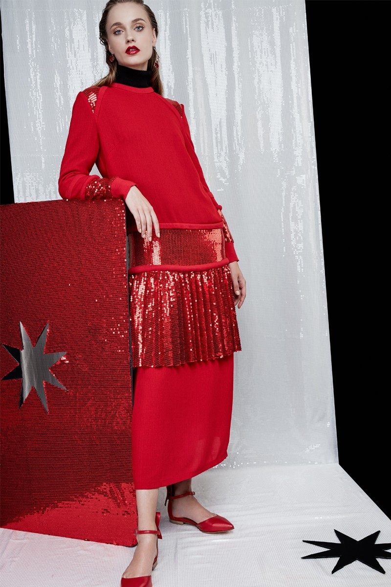 4-the-red-dress-atu-body-couture-20-de-idei-de-rochii-pentru-craciun-fabulous-muses