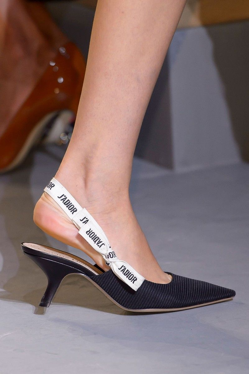 What shoes are in fashion now 45