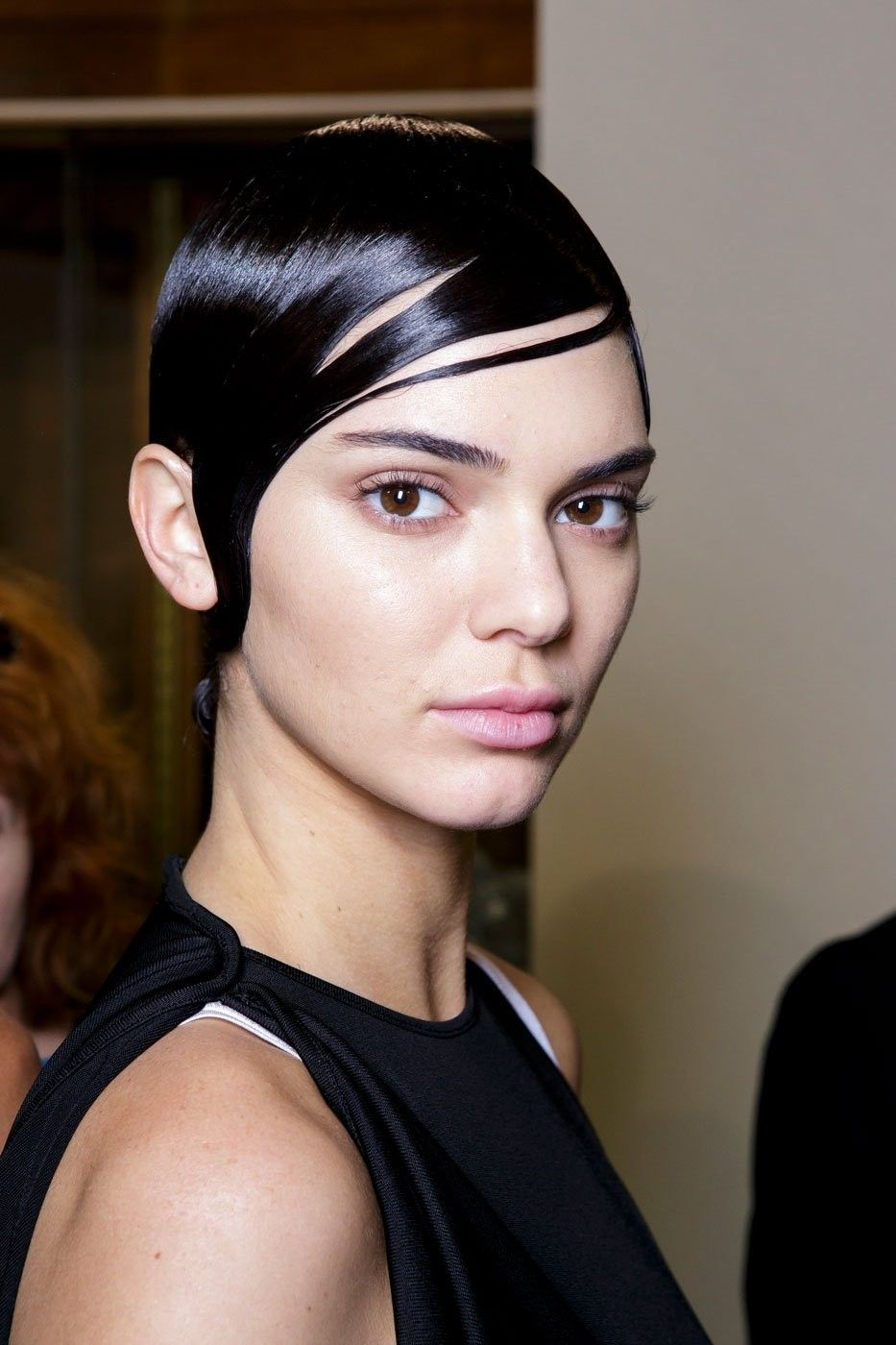 4_pale_lips_givenchy_top_5_beauty_trends_ss_2017_fabulous_muses