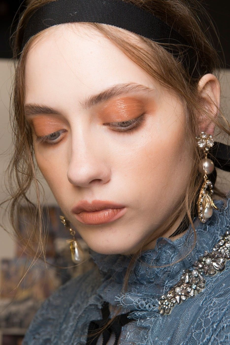 4_pastel_lips_erdem_top_5_beauty_trends_ss_2017_fabulous_muses